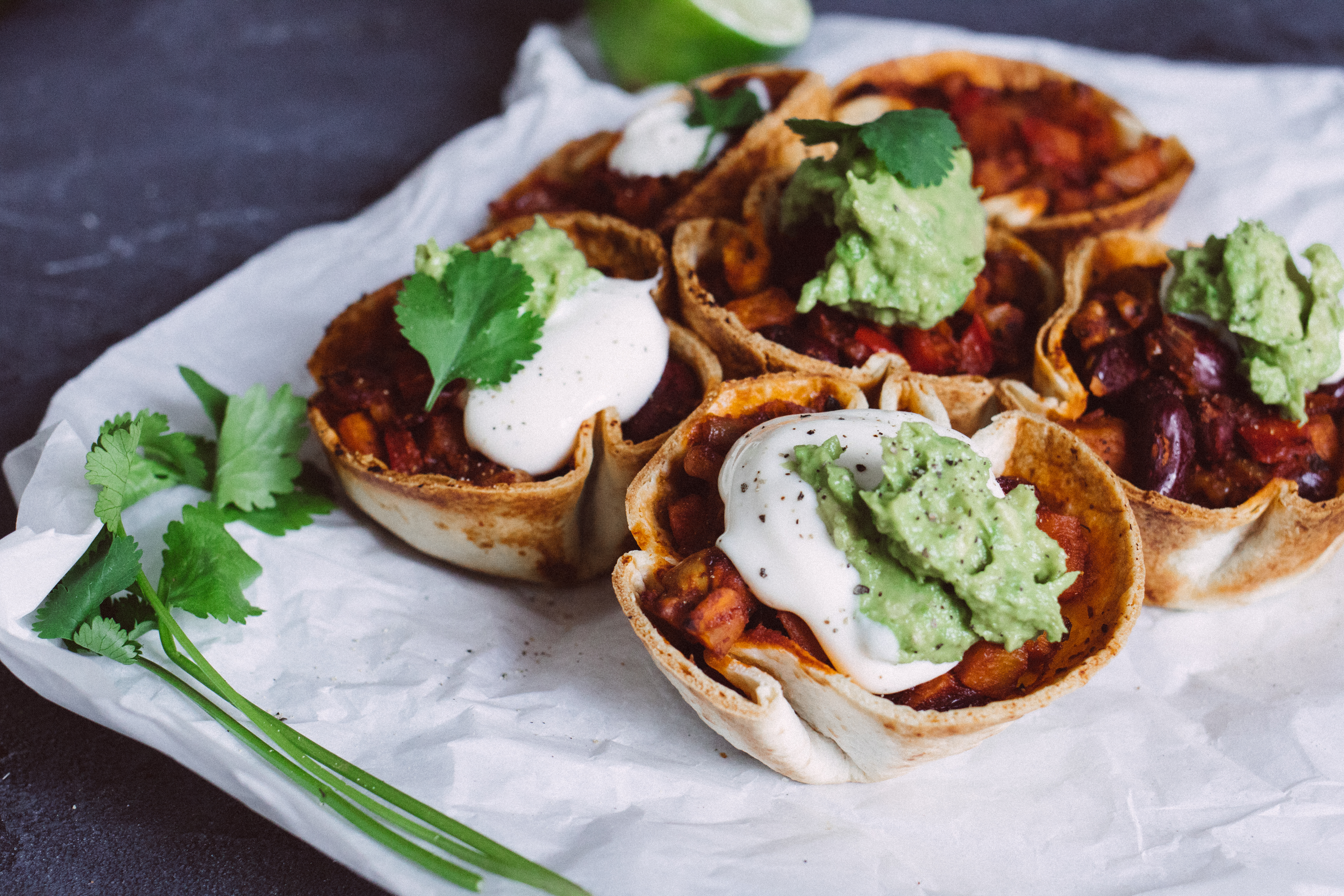 Taco cups with chili con sweet potato