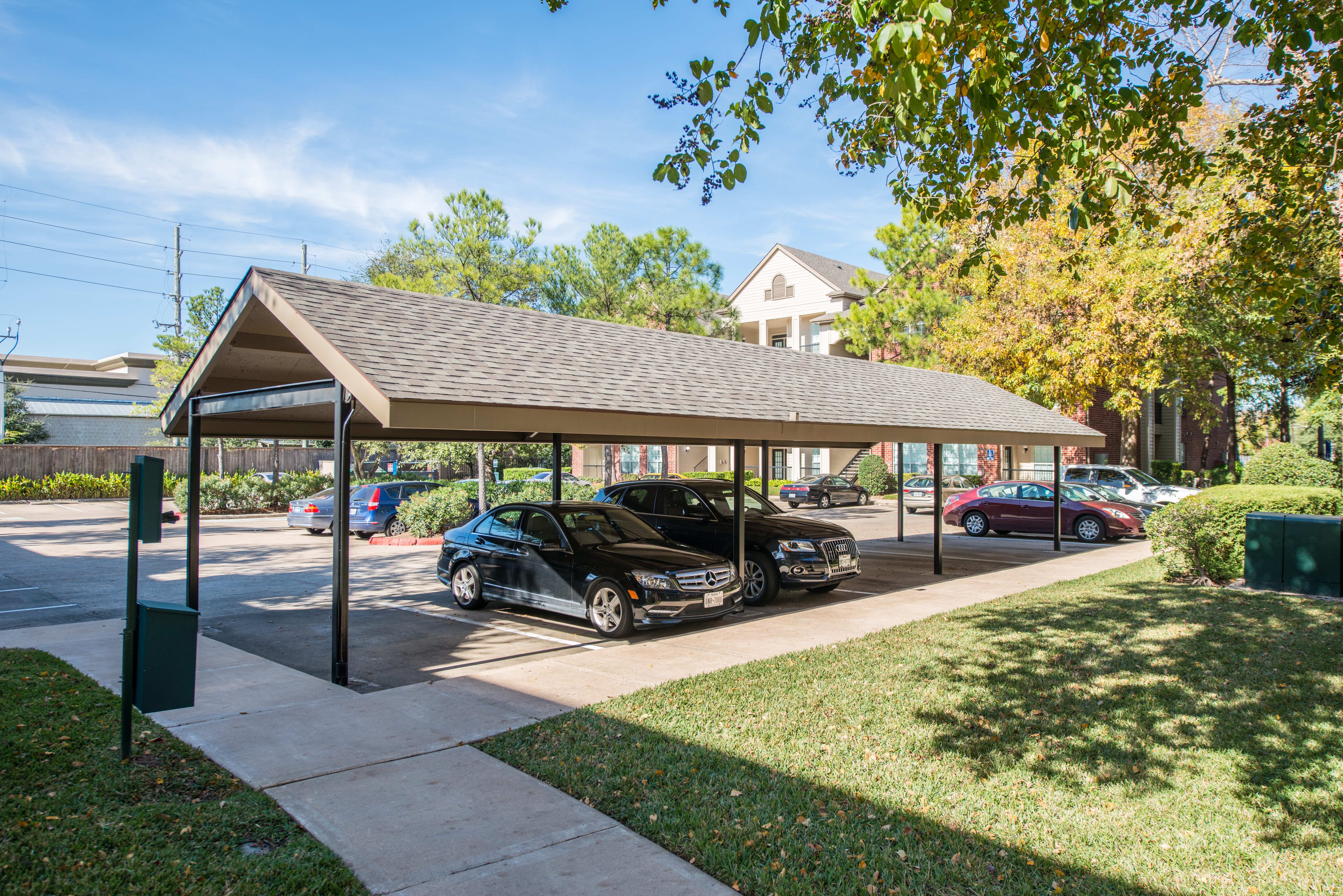 Covered parking upgraded one two and three bedroom apartments westchase district